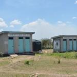 Nuevas letrinas en Serengeti, Tanzania